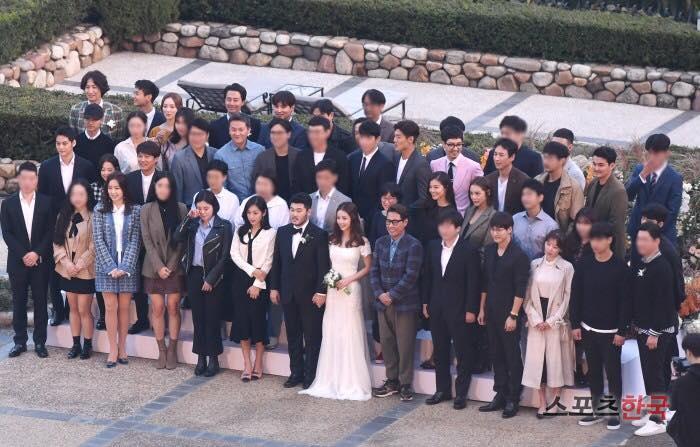 Thêm một đám cưới quy tụ dàn sao khủng xứ Hàn: Jo In Sung, Lee Kwang Soo, Cha Tae Hyun-1