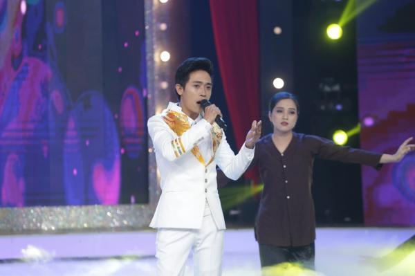 Diện váy 60 triệu hát hit Hồ Ngọc Hà, bản sao Minh Tuyết lên ngôi quán quân-8