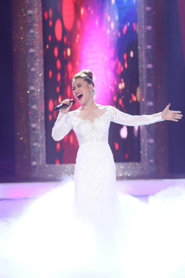 Diện váy 60 triệu hát hit Hồ Ngọc Hà, bản sao Minh Tuyết lên ngôi quán quân-9