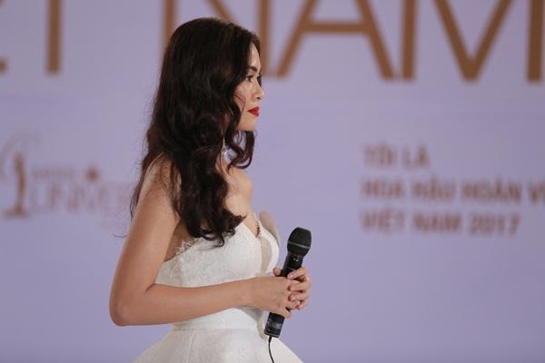 Mai Ngô khóc như mưa khi được hỏi về học vấn tại Hoa hậu Hoàn vũ Việt Nam 2017-6