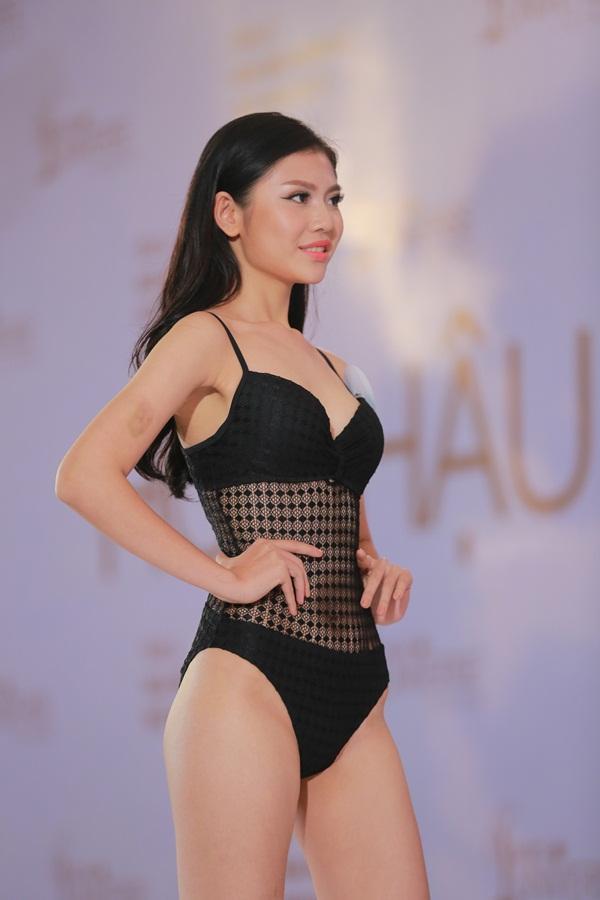 Mai Ngô khóc như mưa khi được hỏi về học vấn tại Hoa hậu Hoàn vũ Việt Nam 2017-8