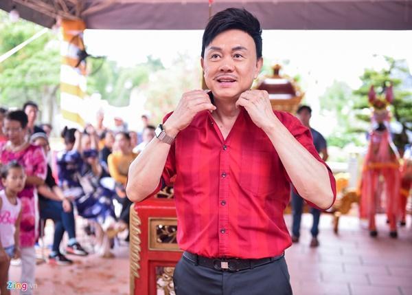 Trấn Thành và dàn sao Việt tấp nập cúng Tổ tại đền thờ của Hoài Linh-7