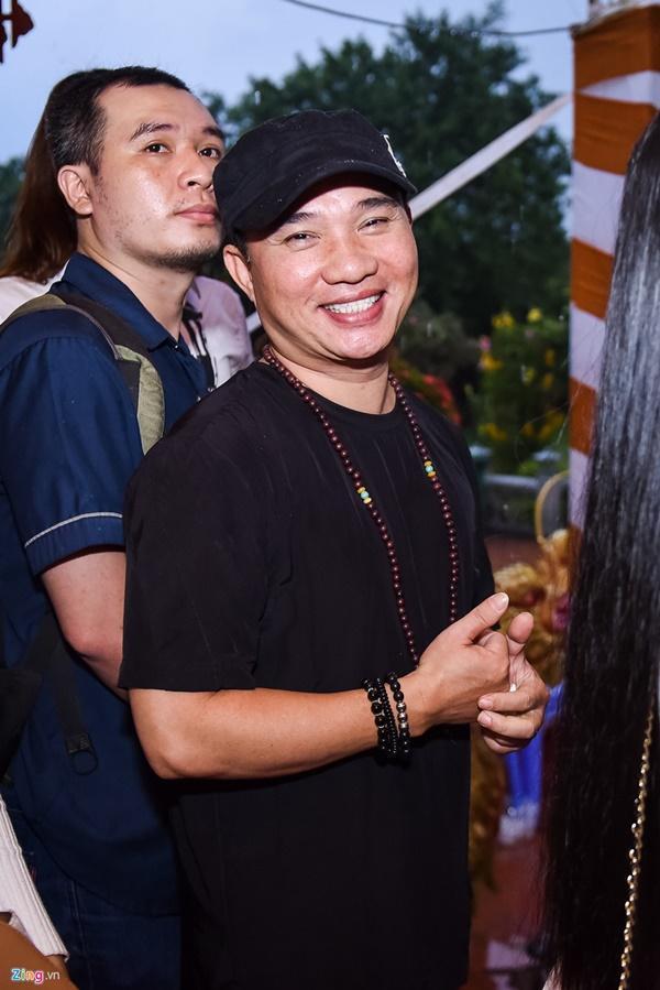Trấn Thành và dàn sao Việt tấp nập cúng Tổ tại đền thờ của Hoài Linh-11