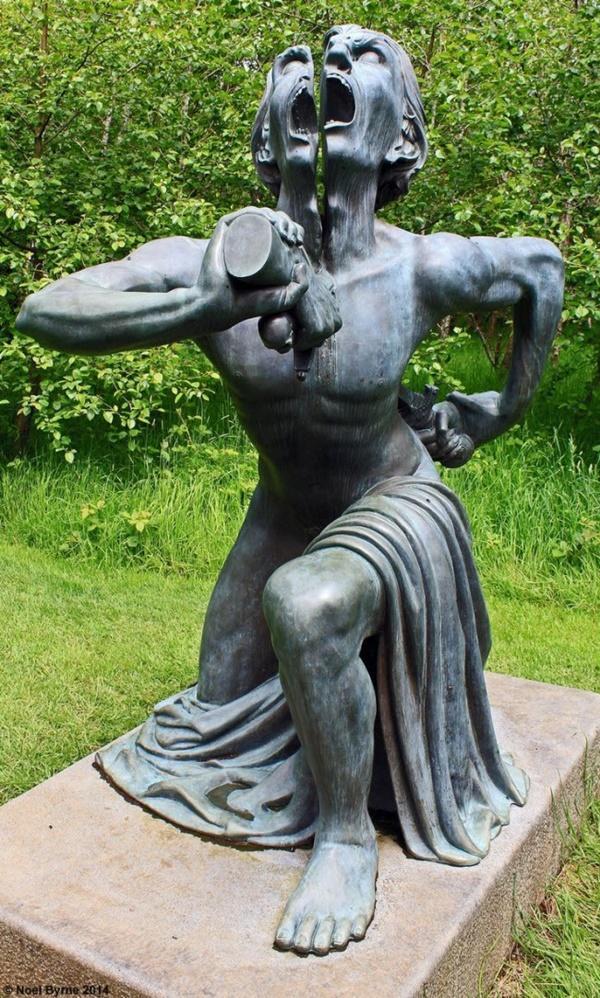 Tròn mắt trước 17 bức tượng đáng sợ và ấn tượng nhất thế giới-12