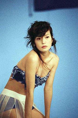 Đâu riêng Lâm Tâm Như, Triệu Vy cũng gây bất ngờ thời làm mẫu bikini-5