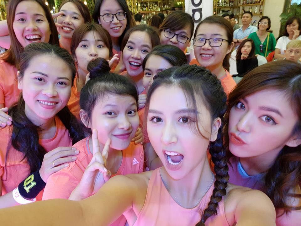 Hot girl - hot boy Việt 1/10: BB Trần khẳng định trai thẳng kết bạn chỉ là muốn thử khẩu vị mới-11