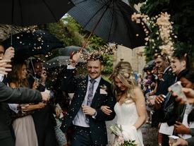 Đừng kết hôn vì bị ai hối thúc, hãy chỉ làm điều đó khi bạn thấy đã đến lúc rồi