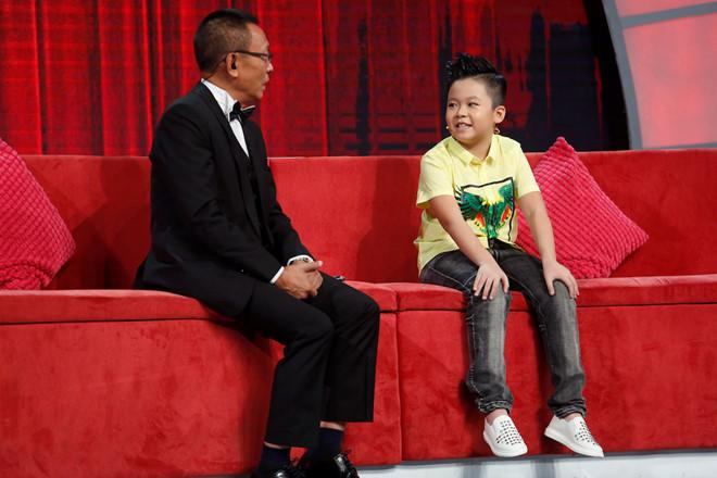 Cúi mình gọi thí sinh nhí là thầy, MC Lại Văn Sâm vẫn bị phê bình tư duy thiếu logic-2