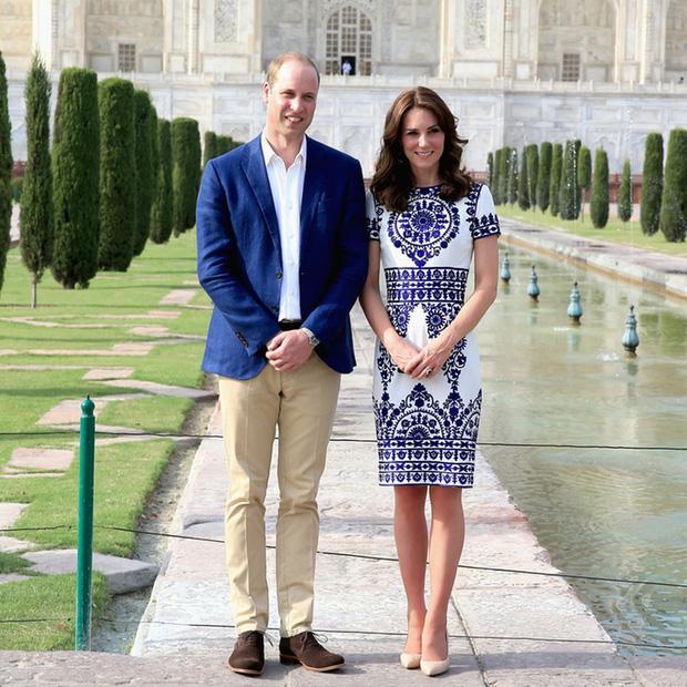 Hoàng tử William chẳng bao giờ nắm tay Công nương Kate ở nơi công cộng, nhưng luôn có hành động ngọt ngào này-1