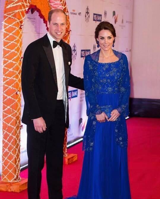 Hoàng tử William chẳng bao giờ nắm tay Công nương Kate ở nơi công cộng, nhưng luôn có hành động ngọt ngào này-9