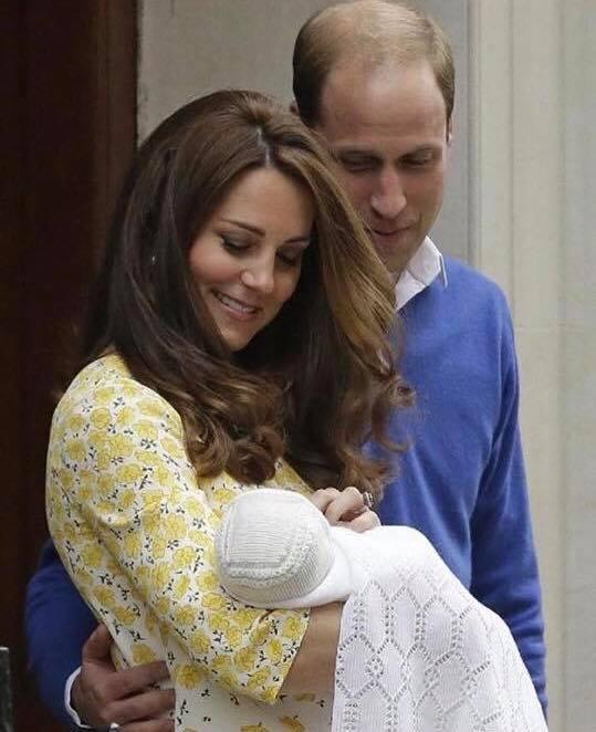 Hoàng tử William chẳng bao giờ nắm tay Công nương Kate ở nơi công cộng, nhưng luôn có hành động ngọt ngào này-7