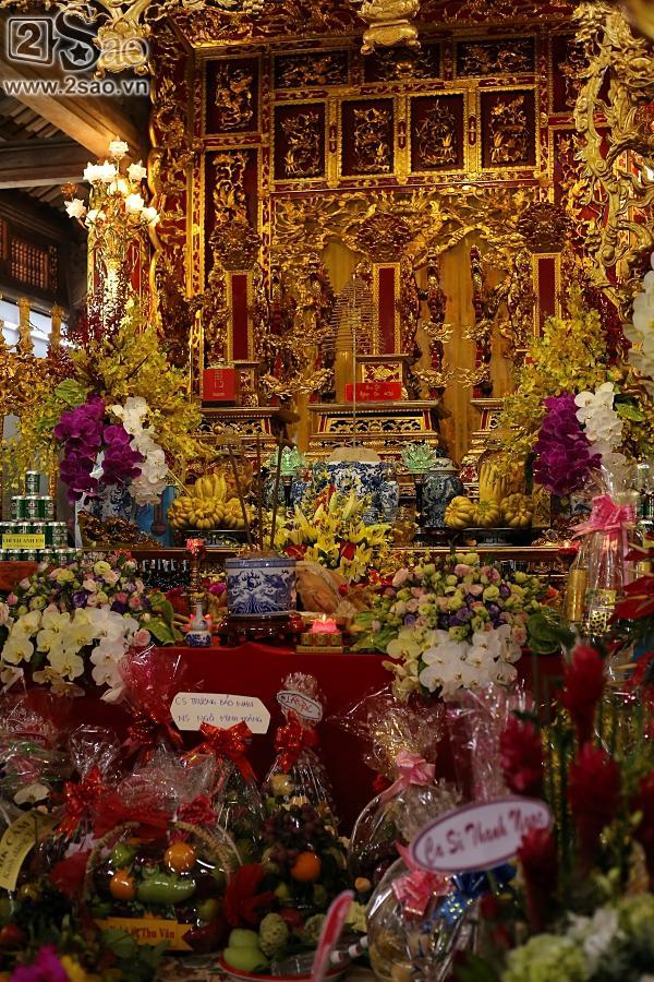 Dàn sao Việt mướt mồ hôi, đội nắng đến dâng hương đền thờ Tổ của Hoài Linh-2