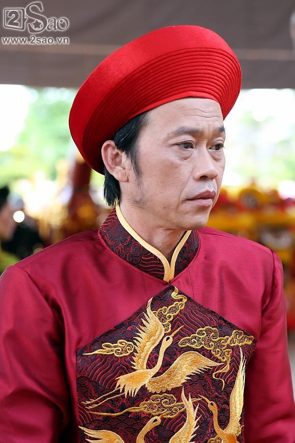 Dàn sao Việt mướt mồ hôi, đội nắng đến dâng hương đền thờ Tổ của Hoài Linh-7