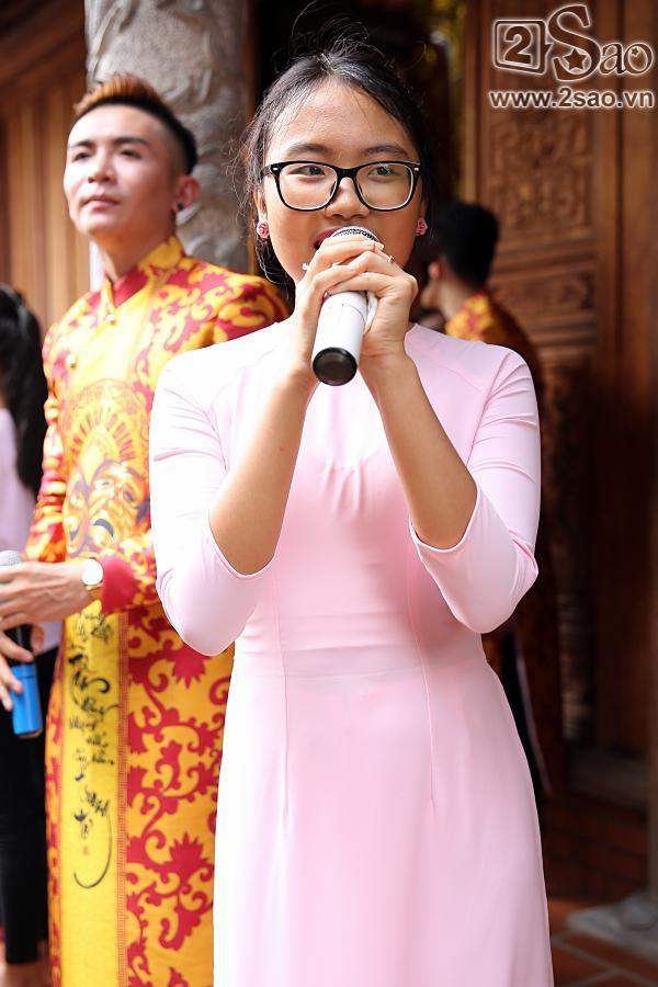 Dàn sao Việt mướt mồ hôi, đội nắng đến dâng hương đền thờ Tổ của Hoài Linh-13