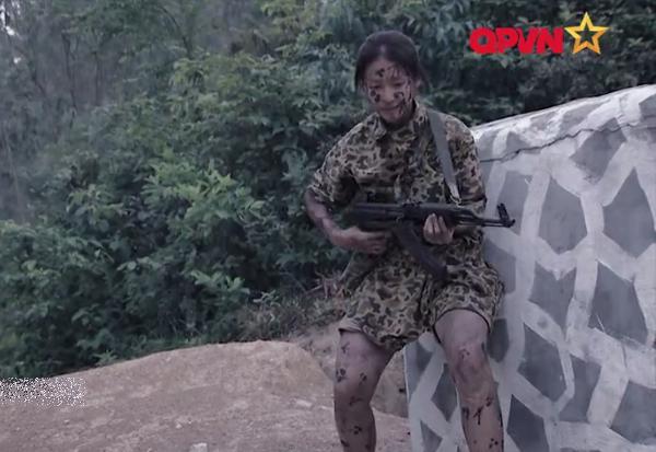 Leo dây bằng ý chí, Hương Giang Idol làm nên điều kỳ diệu trong quân ngũ-1