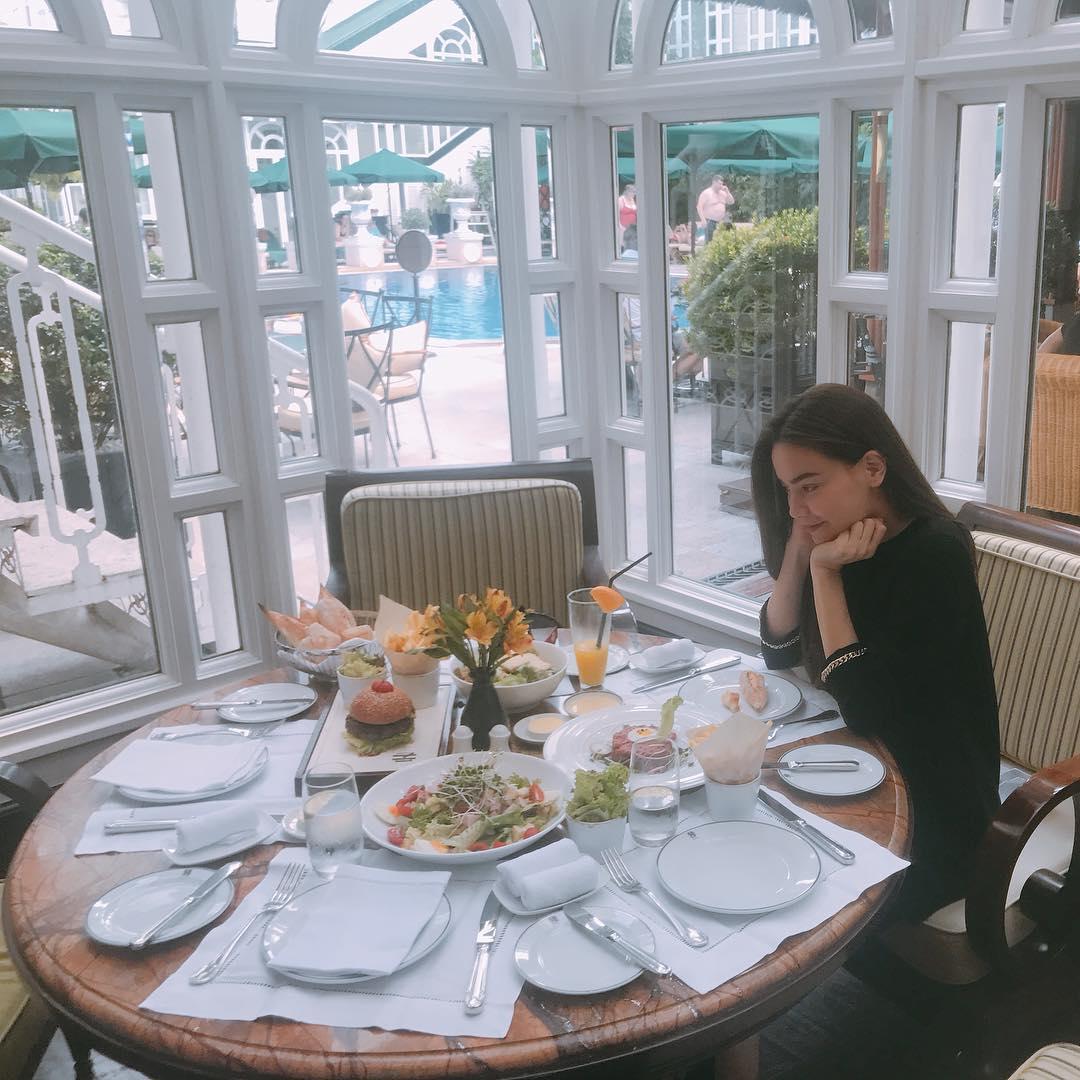 Tin sao Việt 1/10: Vợ chồng Jennifer Phạm đưa con gái đi đón tết  trung thu sớm-3