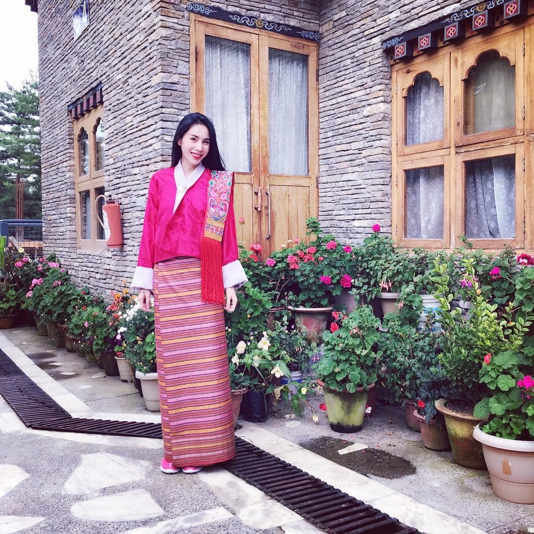 Tin sao Việt 1/10: Vợ chồng Jennifer Phạm đưa con gái đi đón tết  trung thu sớm-8