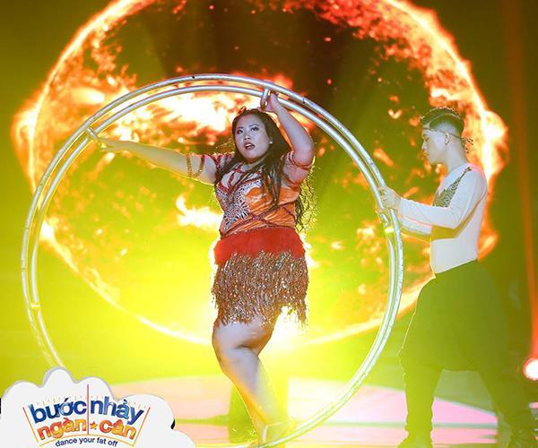 Bước nhảy ngàn cân: Đồng loạt giám khảo tròn mắt với vũ điệu nóng bỏng của thí sinh nặng 1,1 tạ-1