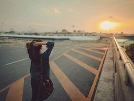 Yêu là mang đến hạnh phúc cho nhau, nên đừng tiếp tục với người làm mình đau