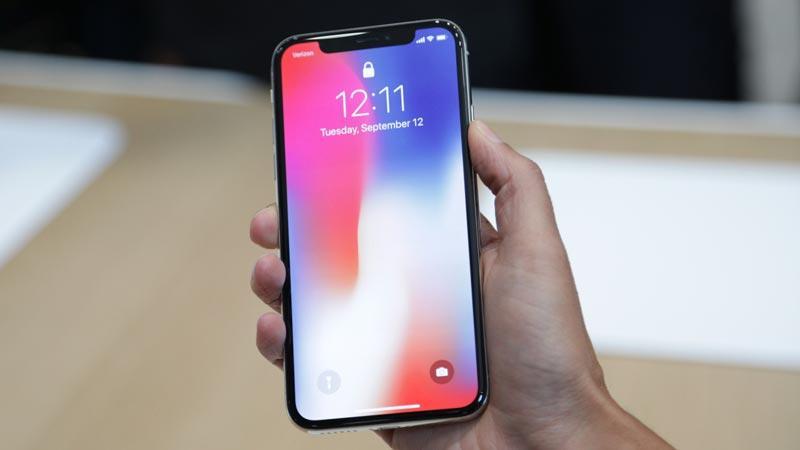 Smartphone kế nhiệm iPhone 8 có thể sẽ giống iPhone X-1