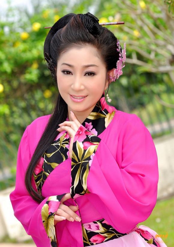Sởn da gà với những câu chuyện Tổ nghề phù hộ sao Việt, đặc biệt là lời khấn của Hoài Linh-5