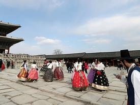 Người Hàn Quốc đổ xô đi du lịch nước ngoài dịp Tết Trung thu