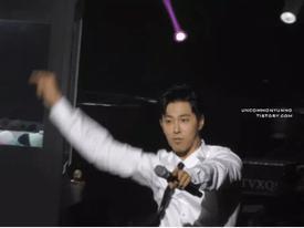 Tưởng ngại ngùng thế nào, Yunho (DBSK) nhảy 'Rookie' còn hăng hơn cả Red Velvet