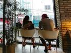 Sao Hàn 2/10: Kim Tae Hee cafe thân mật cùng ông xã trước ngày lâm bồn