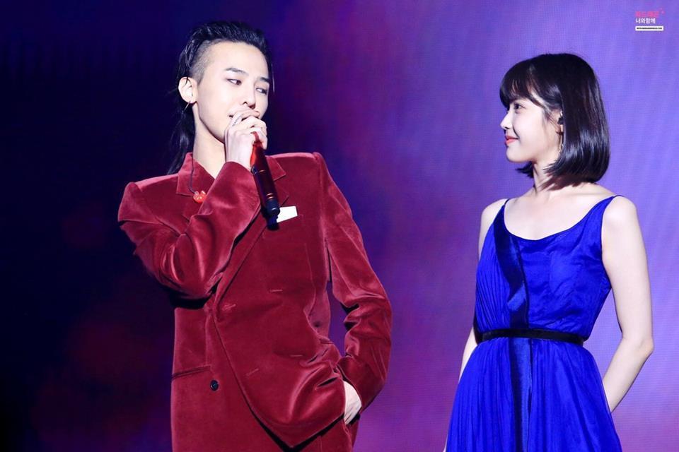Sao Hàn 2/10: Kim Tae Hee cafe thân mật cùng ông xã trước ngày lâm bồn-8