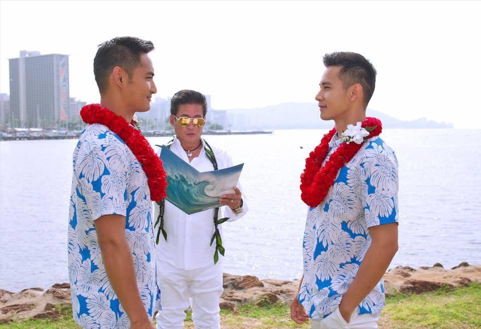 Lộ ảnh cưới siêu lãng mạn của Hồ Vĩnh Khoa và người tình đồng tính-1