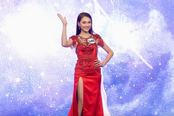 Ứng viên sáng giá của Hoa hậu Hoàn vũ lép vế khi diện lại thiết kế của Chi Pu, Hari Won-6