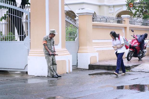 Chuyện chưa kể về bác bảo vệ mà học sinh chuyên Lê Hồng Phong cúi đầu chào mỗi ngày-3