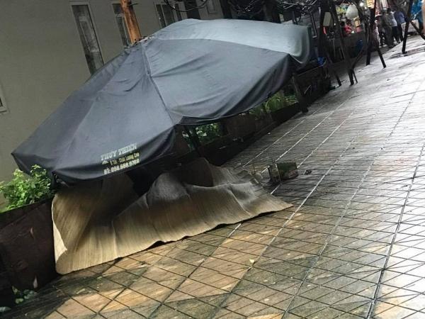 Hà Nội: Người phụ nữ rơi từ tầng 20 chung cư xuống đất tử vong-2