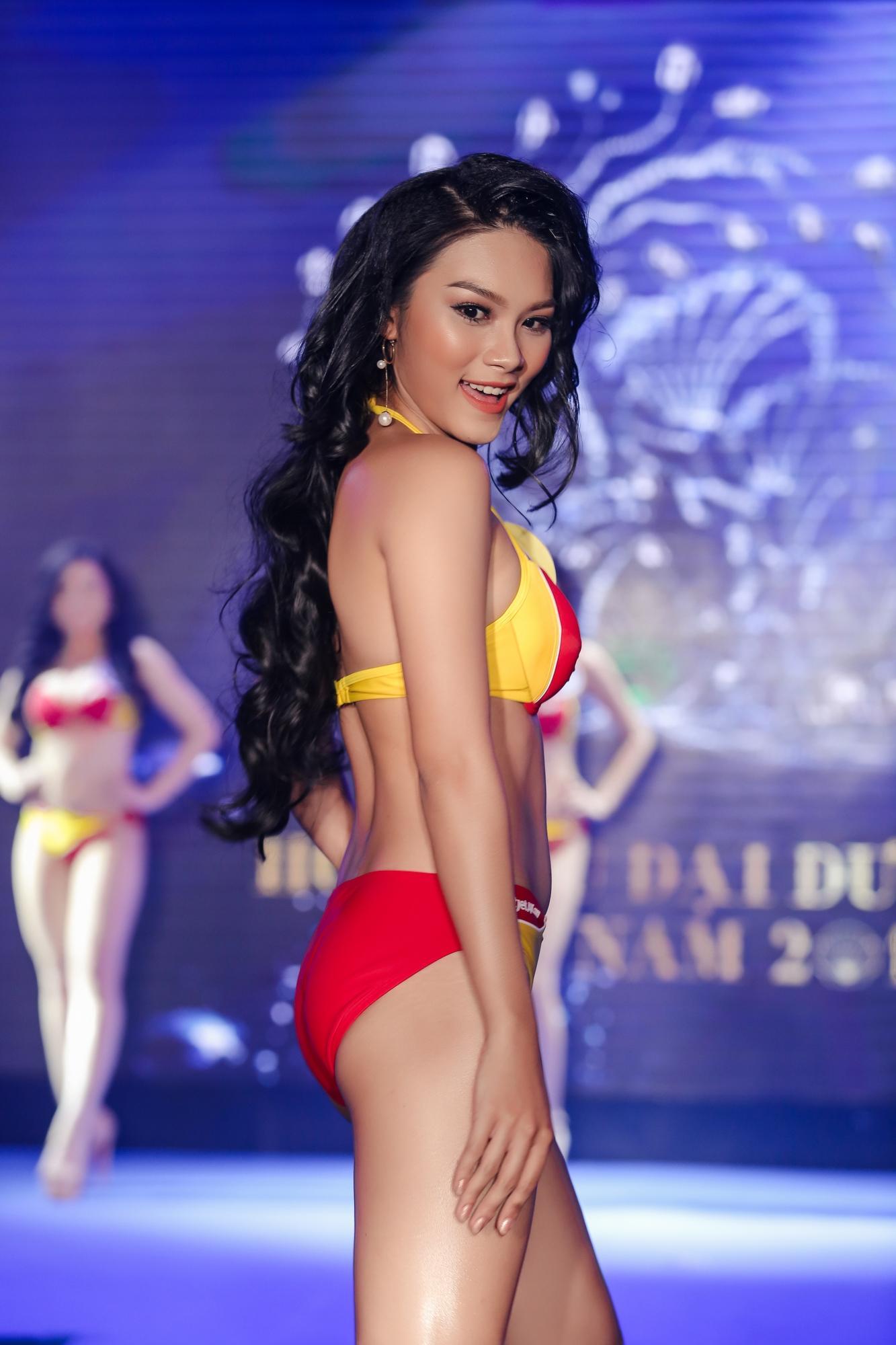 Vừa rời Hoa hậu Hoàn vũ, cô gái mê tiền tự tin khoe hình thể tại Hoa hậu Đại Dương 2017-3