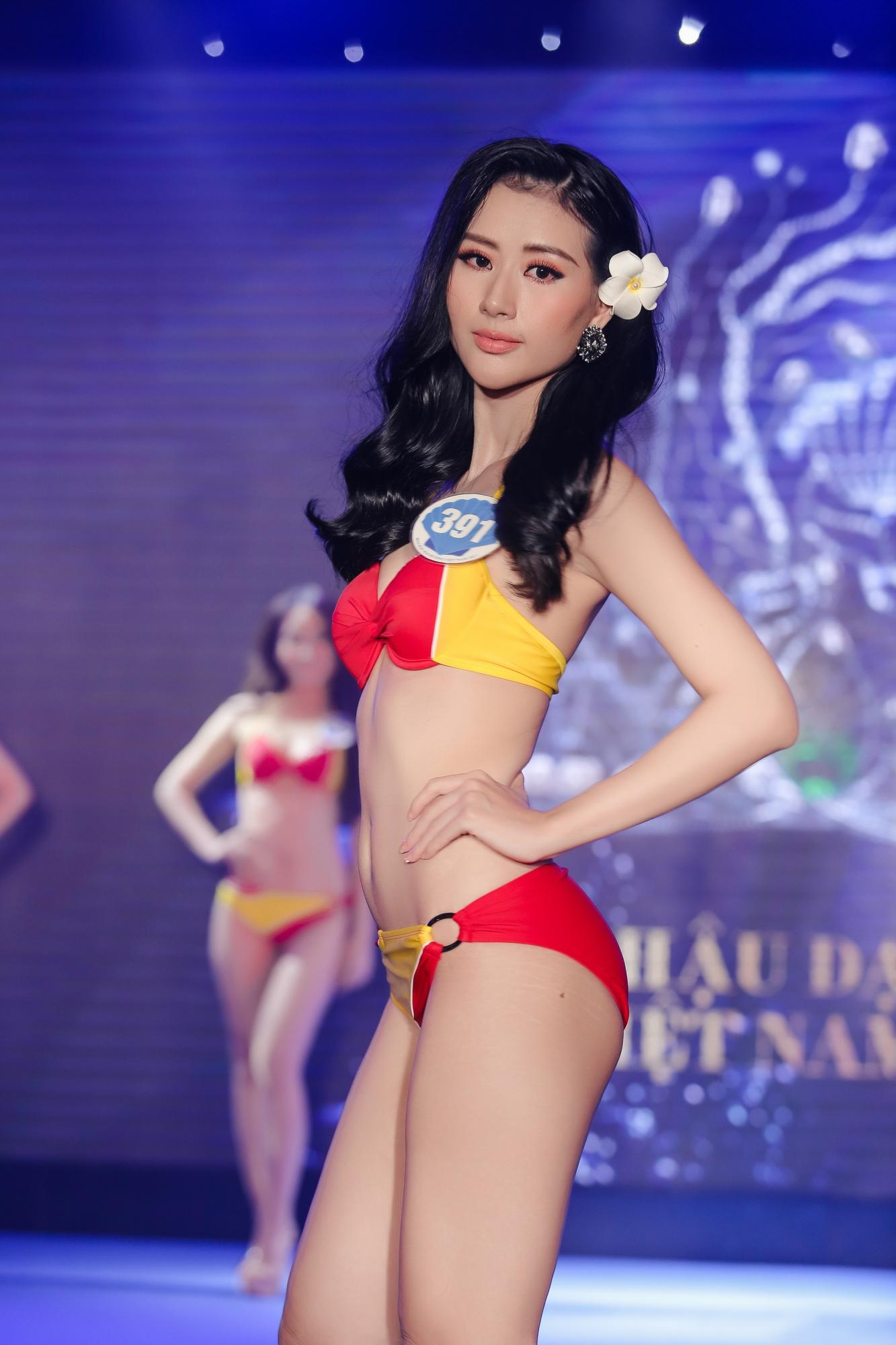 Vừa rời Hoa hậu Hoàn vũ, cô gái mê tiền tự tin khoe hình thể tại Hoa hậu Đại Dương 2017-4