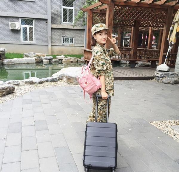 Loạt hot girl đổ bộ trong kỳ tập quân sự khiến người xem mê mệt-1