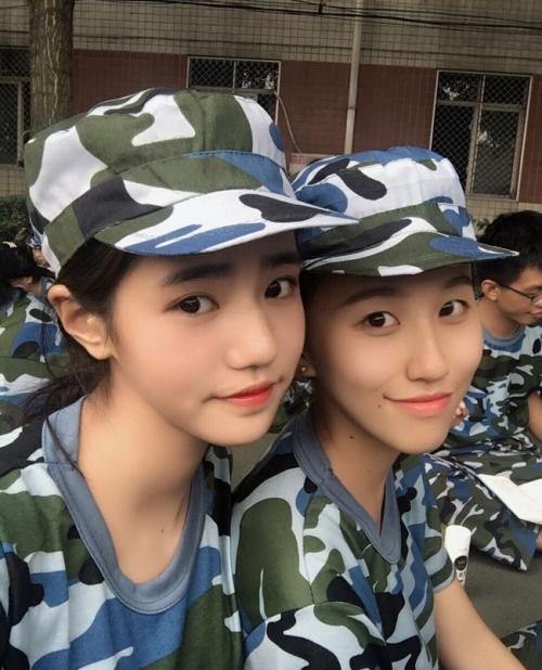 Loạt hot girl đổ bộ trong kỳ tập quân sự khiến người xem mê mệt-10