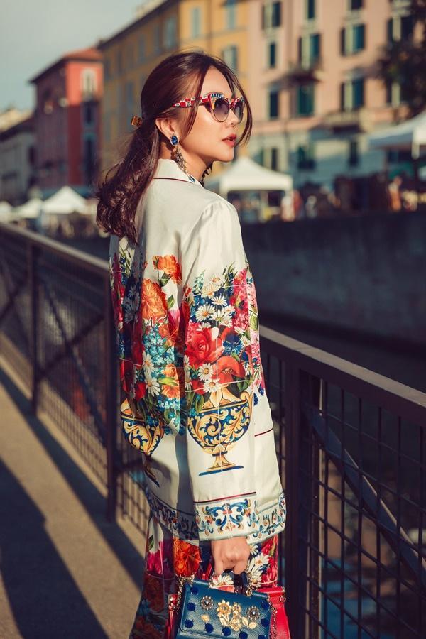 Street style Thanh Hằng vượt mặt nhiều biểu tượng thời trang làng giải trí Việt-7