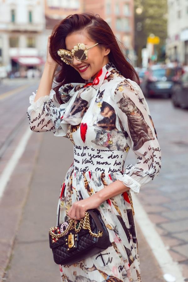 Street style Thanh Hằng vượt mặt nhiều biểu tượng thời trang làng giải trí Việt-9