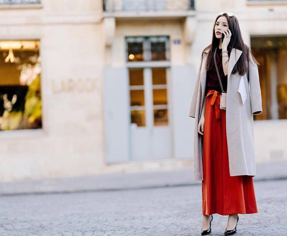 Hồ Ngọc Hà khoe chân dài miên man - Ngọc Trinh diện street style cưa sừng đón trung thu-5