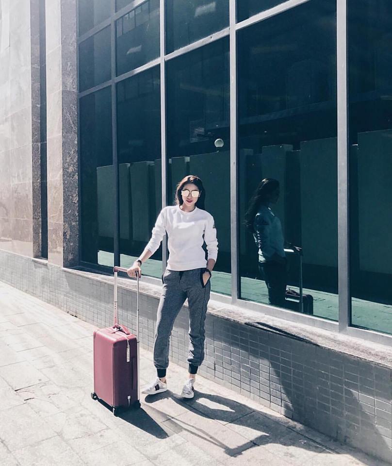 Hồ Ngọc Hà khoe chân dài miên man - Ngọc Trinh diện street style cưa sừng đón trung thu-7