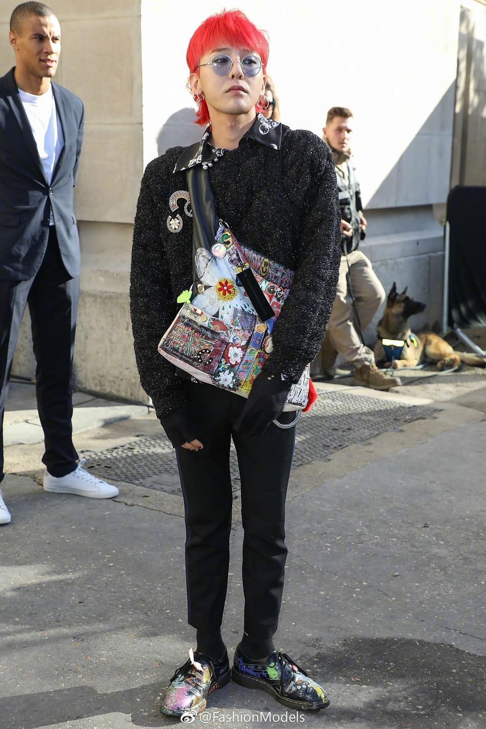 Park Shin Hye lộ mặt bóng dầu mập mạp - G-Dragon tóc đỏ chiếm sóng kinh đô thời trang Paris-6