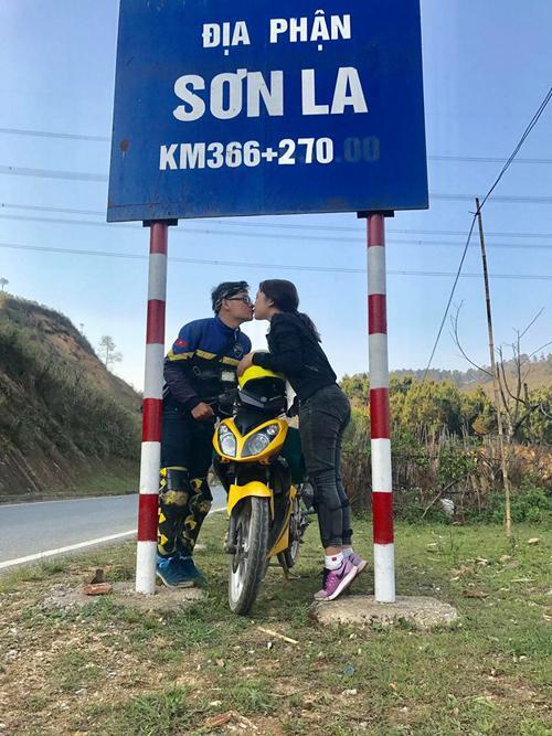 Cặp phượt thủ gây bão vì hôn nhau khắp Việt Nam-2