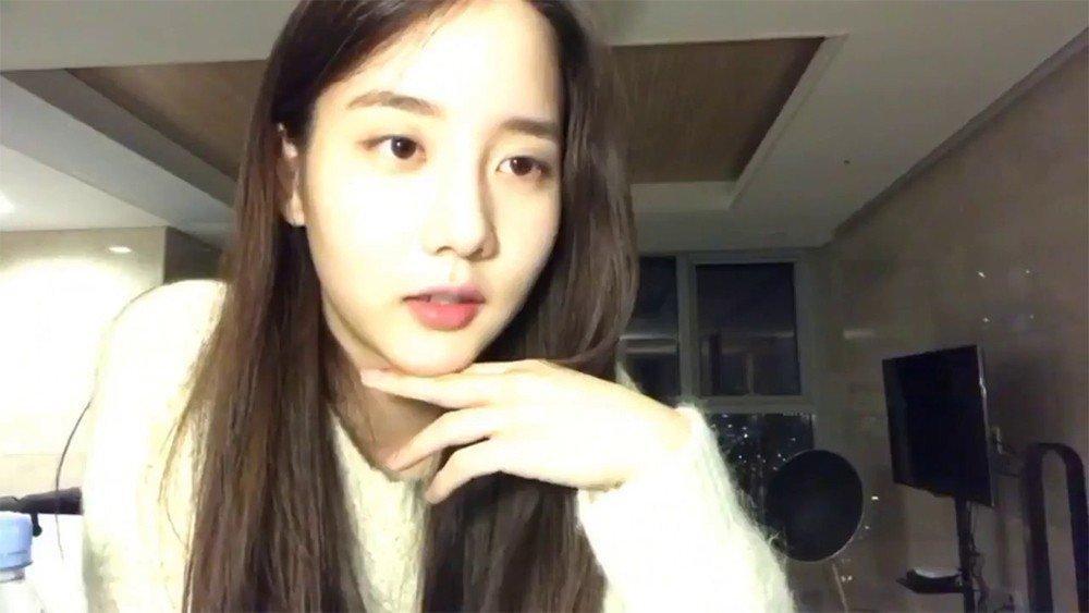 Sao Hàn  5/10: Kim Tae Hee mang bầu tháng cuối, Bi Rain vẫn bận rộn với công việc mới-6