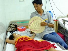 Tai nạn ở Tây Ninh: Vợ gãy chân, con gái bị xuất huyết não cha tất tưởi từ quê vào Sài Gòn chăm con
