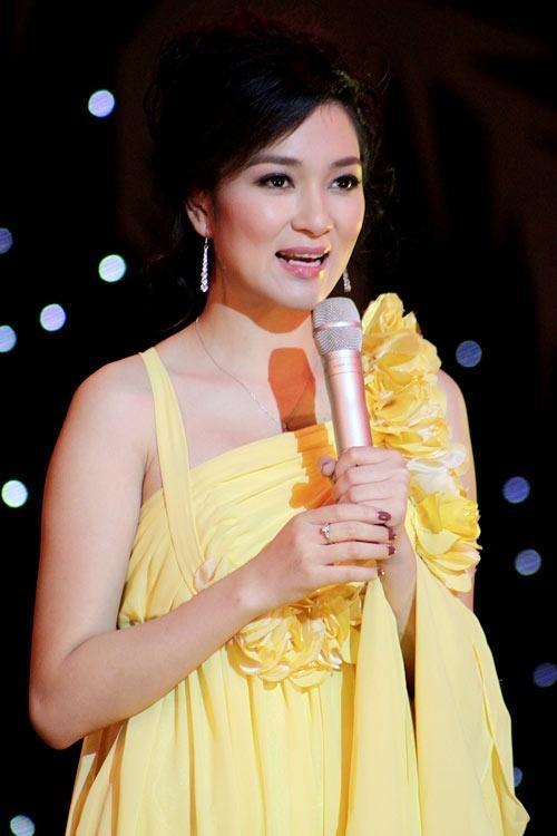Cuộc sống của nàng hoa hậu mũm mĩm nhất Việt Nam giờ ra sao?-9