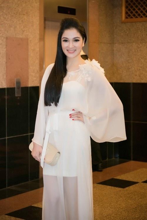 Cuộc sống của nàng hoa hậu mũm mĩm nhất Việt Nam giờ ra sao?-6