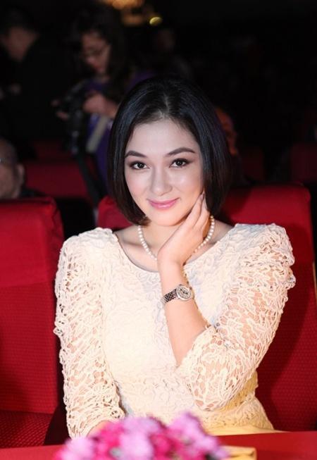 Cuộc sống của nàng hoa hậu mũm mĩm nhất Việt Nam giờ ra sao?-12