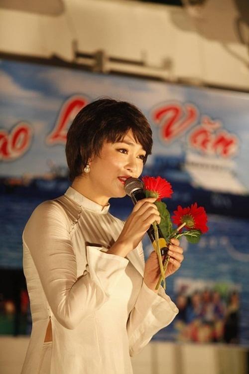 Cuộc sống của nàng hoa hậu mũm mĩm nhất Việt Nam giờ ra sao?-13