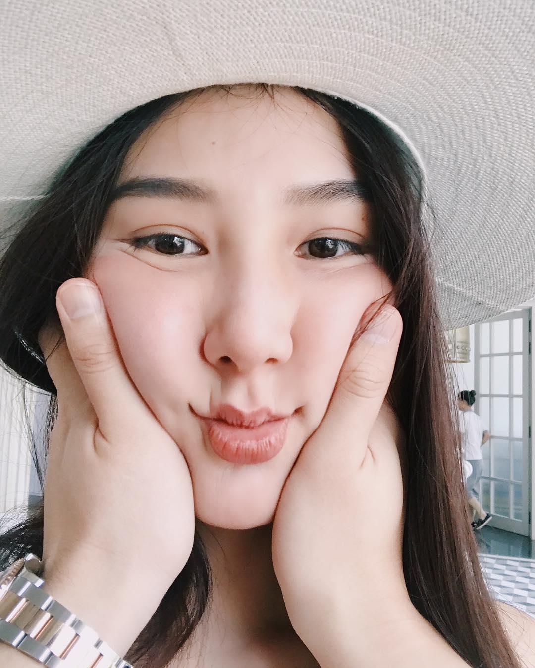 Tin sao Việt 6/10: Diễm My 9X đang tận hưởng kỳ nghỉ bên bạn trai mới?-1